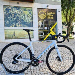 Bicicleta SCOTT Addict RC 40 eTAP